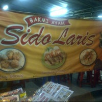 Photo taken at Bakmi Sido Laris by Melissa T. on 7/1/2012