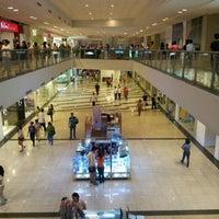 5/18/2012 tarihinde Daniel V.ziyaretçi tarafından Glorietta 4'de çekilen fotoğraf