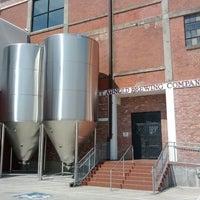 4/26/2012 tarihinde Tom P.ziyaretçi tarafından Saint Arnold Brewing Company'de çekilen fotoğraf
