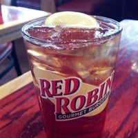 Photo taken at Red Robin Gourmet Burgers by Debra R. on 7/8/2012