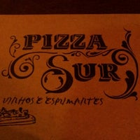 Foto tirada no(a) Pizza Sur Savassi por Thiago Ribeiro d. em 9/13/2012