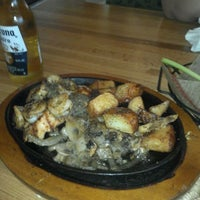 Photo taken at Applebee's Grill + Bar by Juan T. on 5/26/2012
