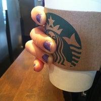Foto scattata a Starbucks da Karen M. il 6/6/2012
