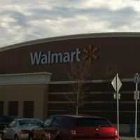 Foto diambil di Walmart Supercenter oleh Chris Costner pada 2/21/2012