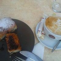 Foto tomada en Estylo Café por Aida R. el 7/26/2012