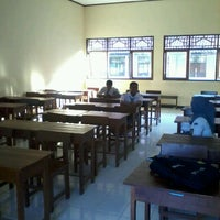 Photo taken at SMK Negeri 2 Surakarta by Rizky W. on 5/27/2012