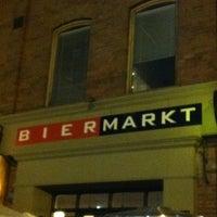 Photo taken at Bier Markt Esplanade by Astrid S. on 3/18/2012