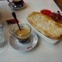 Foto tomada en Panaderia Roldan por Josue M. el 8/4/2012