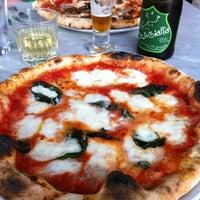 Снимок сделан в Settebello Pizzeria пользователем Jenna 8/25/2012