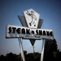 Photo taken at Steak 'n Shake by Steve H. on 6/28/2012