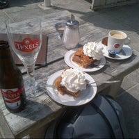 Photo taken at Strandhotel en Restaurant Noordzee by Barry A. on 7/28/2012