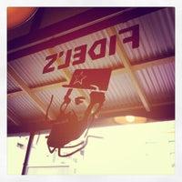 รูปภาพถ่ายที่ Fidel's Cafe โดย Ratu M. เมื่อ 6/21/2012