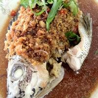 Photo taken at Restaurant Lan Je (兰姐清蒸非洲鱼) - Kepong by Serena L. on 6/7/2012