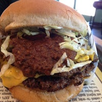 Photo taken at Fatburger by Steven B. on 8/13/2012