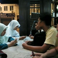Photo taken at Ipoh Hainan Chicken Rice by Admiral H. on 3/17/2012