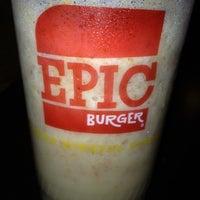 Foto scattata a Epic Burger da Abbey W. il 2/4/2012