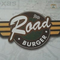 Photo taken at Road Burger by Emerson S. on 7/20/2012