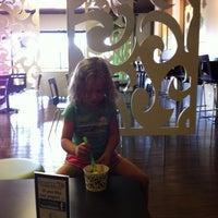 Photo taken at Simply Yo Self Serve Frozen Treats by Leslie H. on 6/8/2012