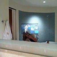 Photo taken at Hotel Arista by Stephanie R. on 9/4/2011