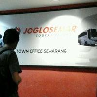Photo taken at Joglo Semar Executive Shuttle Bus-Semarang by Muhammad R. on 1/8/2012