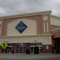 Photo taken at Sam's Club by Ronnie B. on 11/10/2011