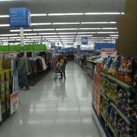 1/28/2012にJose R.がWalmart Supercenterで撮った写真