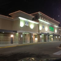 Photo taken at Publix by Tommy H. on 11/11/2011
