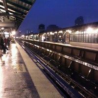 Photo taken at Metro North - Harlem - 125th Street Station by 🚄✈️ Jon ✈️🚄 on 1/23/2012