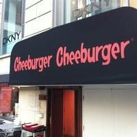 Photo taken at Cheeburger Cheeburger by Raphael 5. on 8/30/2012