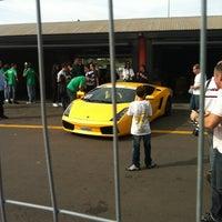 5/19/2012 tarihinde Rodrigo W.ziyaretçi tarafından Boxes'de çekilen fotoğraf