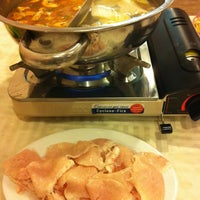 Photo taken at Thuận Kiều Hot Pot Res by Duc N. on 4/28/2012