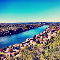 Foto tomada en Covert Park at Mt. Bonnell  por Mike Z. el 11/23/2011