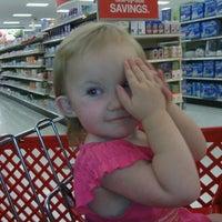 Das Foto wurde bei Target von Cheryl R. am 7/16/2012 aufgenommen