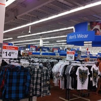 Foto diambil di Walmart oleh Ryuzy pada 8/29/2012