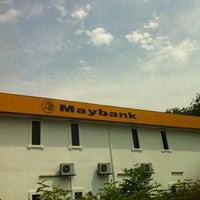 Foto tirada no(a) Maybank por nadd nidd nudd .. em 4/12/2012