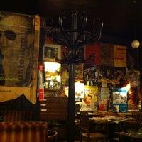 Das Foto wurde bei Café Hawelka von Naz Y. am 7/15/2012 aufgenommen