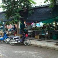 Photo taken at ตลาดสดเทศบาลตำบลปาย by Woottipong T. on 6/30/2012