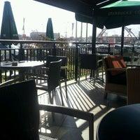 12/9/2011 tarihinde Sadi G.ziyaretçi tarafından Starbucks'de çekilen fotoğraf