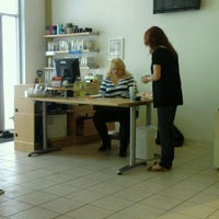 1/15/2011 tarihinde trever s.ziyaretçi tarafından Splurge Salon & Spa'de çekilen fotoğraf