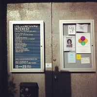 8/10/2012にAaron M.がThe Compound Interest: Centre for the Applied Artsで撮った写真