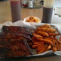 Photo taken at Dixie Belle's Smokehouse by Steve H. on 11/16/2011
