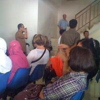 Photo taken at Kantor Imigrasi Kelas 1 Khusus Jakarta Selatan by Frizareihan on 7/18/2011