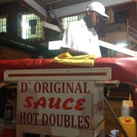 Photo taken at Sauce Doubles Vendor by Anderson M. on 4/22/2012
