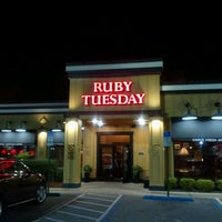 Photo taken at Ruby Tuesday by excitable h. on 11/27/2011