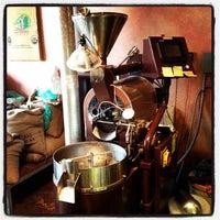 Снимок сделан в The Conservatory for Coffee, Tea & Cocoa пользователем Rahim S. 11/19/2011