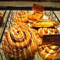 Photo taken at Atlanta Bread Company by Ann H. on 4/5/2011