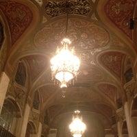 Photo prise au Paramount Theatre par Meahgan A. le4/26/2012