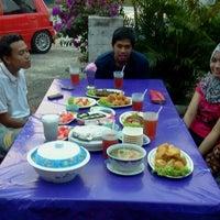 Photo taken at Norfatihah Seafood by Juju S. on 7/24/2012