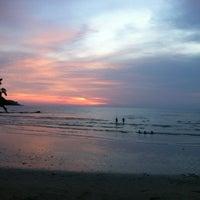 Photo taken at Magic Resort Koh Chang by ต่าย ทิงนองนอย on 5/12/2012
