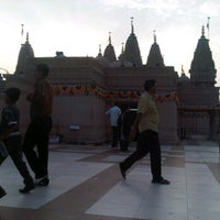 Photo taken at Swaminaryan Mandir by Mayurdhwajsinh P. on 10/30/2011
